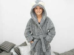Уютный махровый халат с ушками на мальчика с носочками в подарок 6-8
