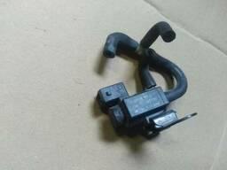 Вакуумный клапан рециркуляции газов 90530039 Opel Astra. ..