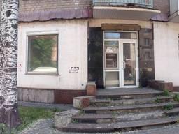 Великий офіс/ магазин/ банк у престижному місці!