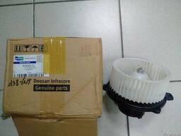 Вентилятор отопителя K1040112 (blower motor) для Doosan MEGA