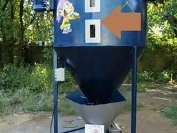 Вертикальний кормозмішувач 1 тона
