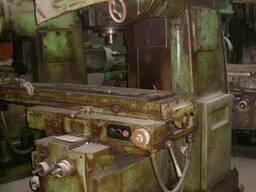 Вертикально фрезерный консольный станок 6Р13