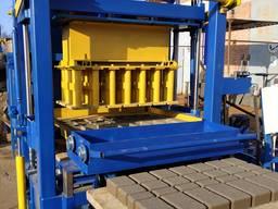 Вибропрес, линия КВП-858-2ПА для производства бордюра, плитк
