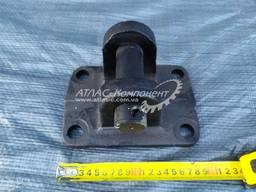 Вилка буксирная задняя (накладка, серьга) с пальцем КрАЗ