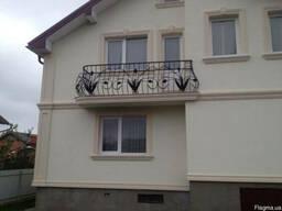 Вироби з пінопласту для фасадів будинків