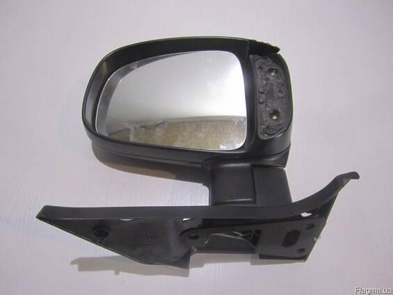 Вкладыш зеркала передний правый Ford Tranzit 3246553E б\у