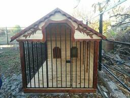 Вольер деревянный для двух собак, утепленные будки.