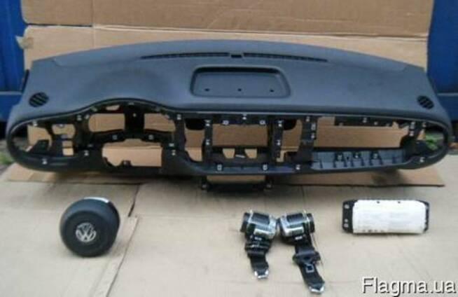 Volkswagen New Beetle RSI 97-10 Торпедо панель приборов б\у