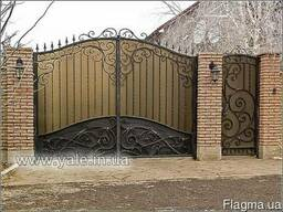 Ворота металлические с элементами холодной ковки