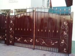 Ворота с элементами ковки. Первомайск