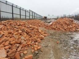 Вторичные материалы: щебень, бой кирпича, лом бетона