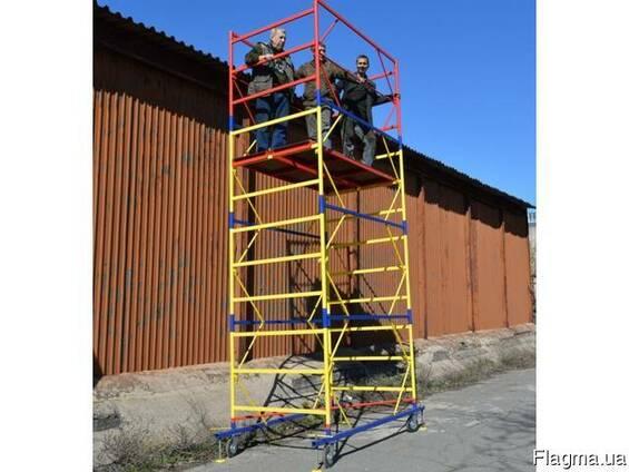 Вышка строительная на колесах с домкратами, передвижная тура
