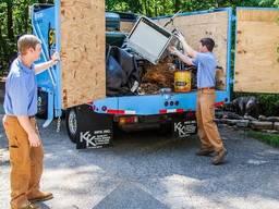 Вывоз строительного мусора, хлама, форма оплаты любая.