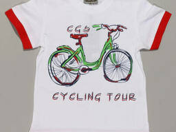 Яркая футболка для мальчика с велосипедом в белом цвете