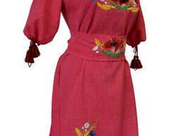 Яркое вышитое короткое платье для девочки подростка в этно стиле