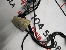 Автозапчасти. электропроводка зеркала наружного правого 214