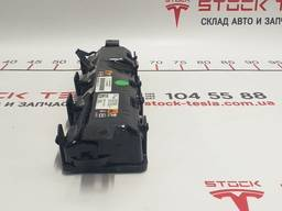 З/ч Тесла. Подушка безопасности пассажира нижняя (колени) 1