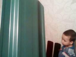 Забор штакетник трапециевидный металлический зелёный. ..