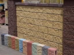 Заборний блок рваний камінь рівне забор