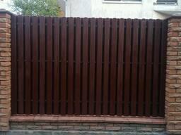 Заборы деревянные . Ворота. Ограждения. Штакетник.