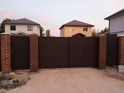 Заборы и ворота с профнастила