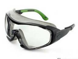 Закриті захисні окуляри з прозорою лінзою з ударостійкого по