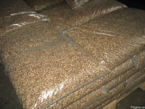 Закупаем древесные пеллеты 6 мм в 15 кг упаковке