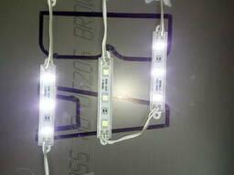 Замена ламп или светодиодов в вывесках.