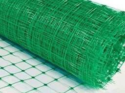 Зеленая сетка для защиты газона от кротов 12х14 мм