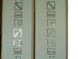 Зеркальные фасады с аккуратным машинным пескоструем и мебель