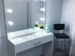 Зеркало длямакияжа Niobium со столом