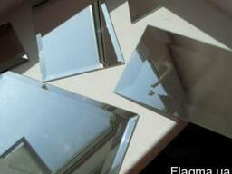 Зеркало, порезанное в размер.