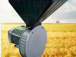 Зернодробилка роторная 1, 7 кВт. Измельчитель зерна и. ..