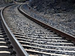 Железнодорожные шпалы, рейки, рельсы