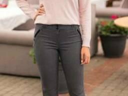 Женские классические зауженые брюки серого цвета с завышеной