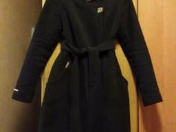 Женское красивое пальто шоколадного цвета